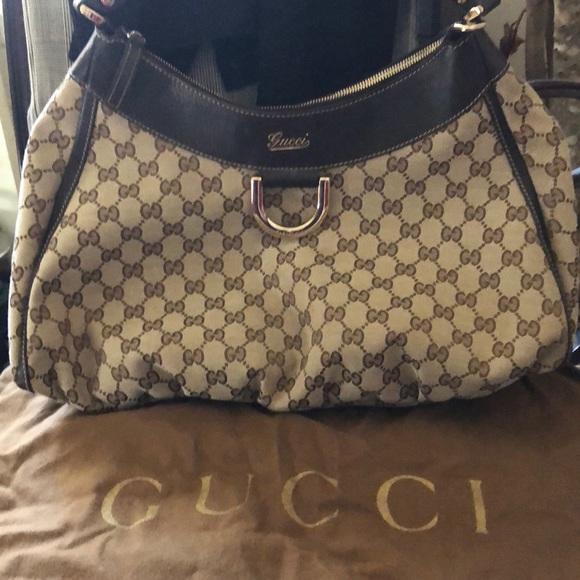73334bca376 Gucci Handbags - Gucci Hobo bag 